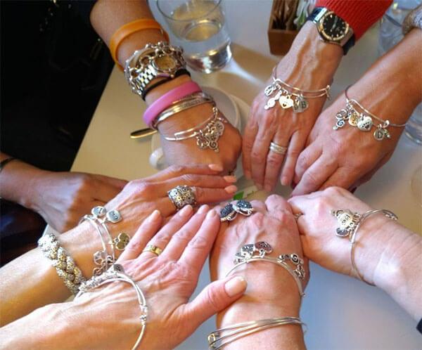 http://lorirae.com/wp-content/uploads/2017/05/bracelets-bestfriends.jpg