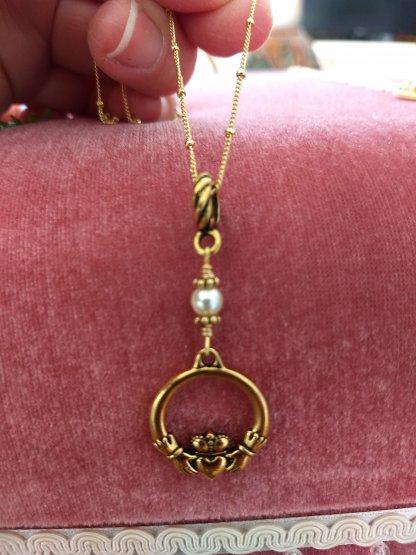 claddaugh pendant